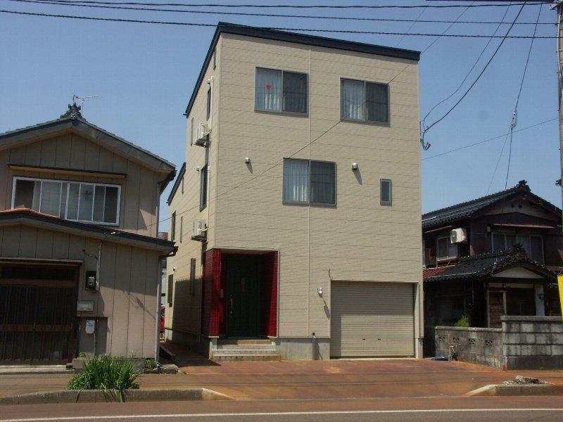 木造3階建の家